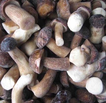 Грибы белые быстрозамороженные 1 сорт 9-12 см